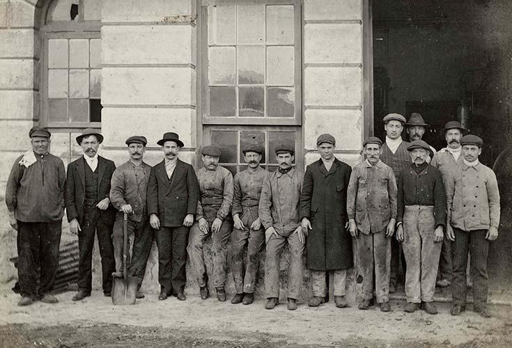 Mataderos de Liniers. Personal de la usina eléctrica, 1913. Colección HL Pezzimenti, CEITPA.