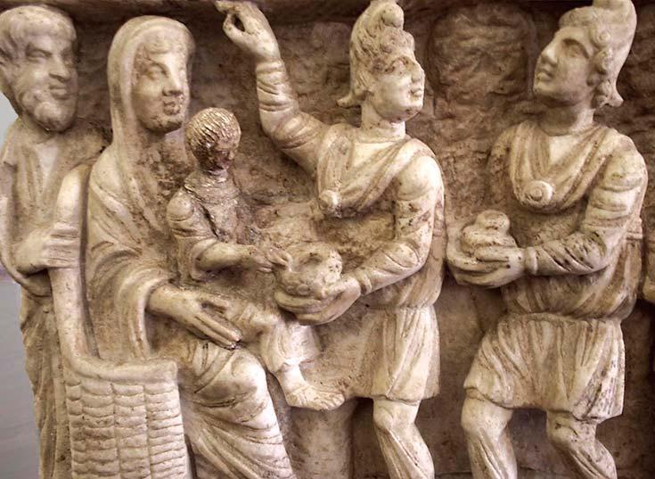 Los Reyes Magos en el arte cristiano primitivo. Un sarcófago del siglo III, Museo Vaticano. Foto Wikimedia Commons
