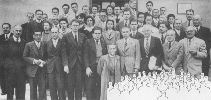 Participantes de la octava reunión de la Asociación Física Argentina realizada en Córdoba del 19 al 22 de septiembre de 1946. E. Galloni (2), G. Dawson (3), A. Maiztegui (5), J. Sahade (6), C. Mossin Kotin (7), A. Valson (S), L. Acosta (10), D. Kowalewski (11), J.A. Baiseiro (12), W. Luyten (13), D. Canals Frau (14), E. Cardoso (15), W. Kowalewski(16), E. Mazzoli de Mathov (17), N. Golloni (18), M. Schenberg (19), J. Bobone (21), B. Levi (22), M. Martínez (23), C. Repetto (24), M. Dartayet (25), F. Alsina (26), J. Iribarne (27), E. Gaviola (28), R. Othaz (29), C. Paglialunga (31), B. Dawson (32), M. Gutiérrez Burzaco (35), W. Scheuer (36), J. Ubiría (38), A. Wurschmidt (39), A. Battig (40), G. Beck (41), M. Goldschwartz (42), J. Wurschmidt (44), J. Goldschwartz (45), J. Jagsig (46). 1,4,9,20,30,33,34,37,43 no identificados.