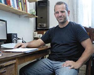 El investigador de CONICET Ezequiel Alvarez. Foto: CONICET Fotografía.