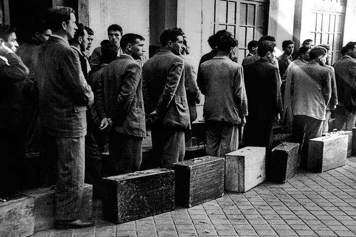Emigraciones-de-argentinos-Versiones-y-Realidades