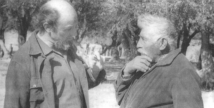 Con José Quilchamal, último cacique tehuelche de la comunidad de El Chalía, al SO de la provincia del Chubut, en 1973.