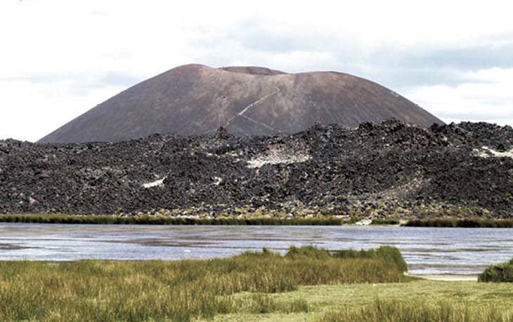 Laguna La Alumbrera, Antofagasta de la Sierra. Foto D Frau