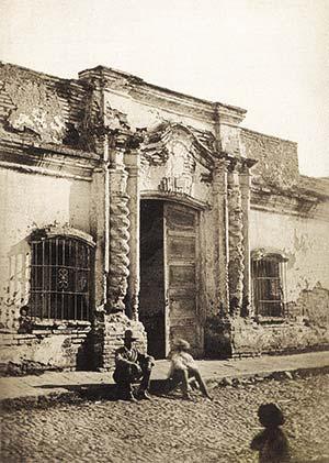 La casa en 1869. Foto de Ángel Paganelli
