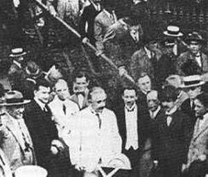 Einstein desembarcando en Río de Janeiro