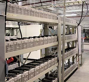 Figura 6. Banco de baterías de plomo-ácido instaladas en el centro de datos de Atlanta, Georgia, como parte del sistema de emergencia que opera en casos de corte de electricidad. Foto Tim Dorr, Flickr.