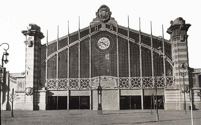 El pasado en imágenes. La exposición internacional del Centenario. Ferrocarriles y Transportes Terrestres