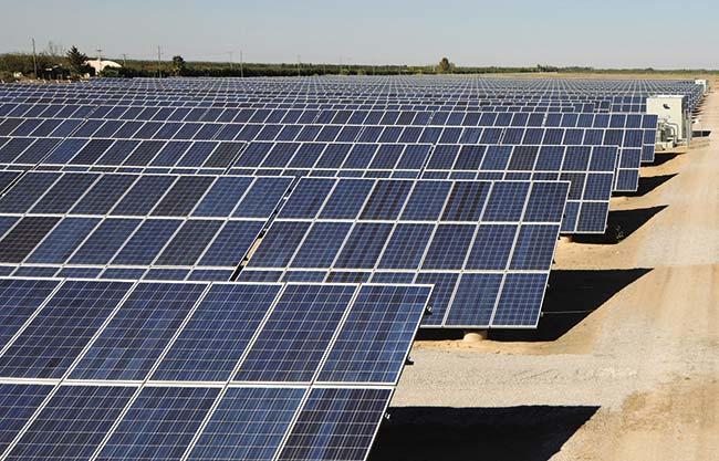 Central fotovoltaica Cañada Honda, situada a unos 60km de la ciudad de San Juan. Con 33.500 paneles fabricados en España, colocados en filas separadas por  10,5m e inclinados 28° con respecto a la horizontal para estar en la mejor posición de recibir el sol, tiene una potencia de generación de 7MW.