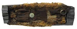 Los restos de la joven de Egtved, perteneciente a la Edad de Bronce, cuyo ataúd de roble fue dendrocronológicamente datado en 1370 a.C. Foto Roberto Fortuna, Museo Nacional de Dinamarca.