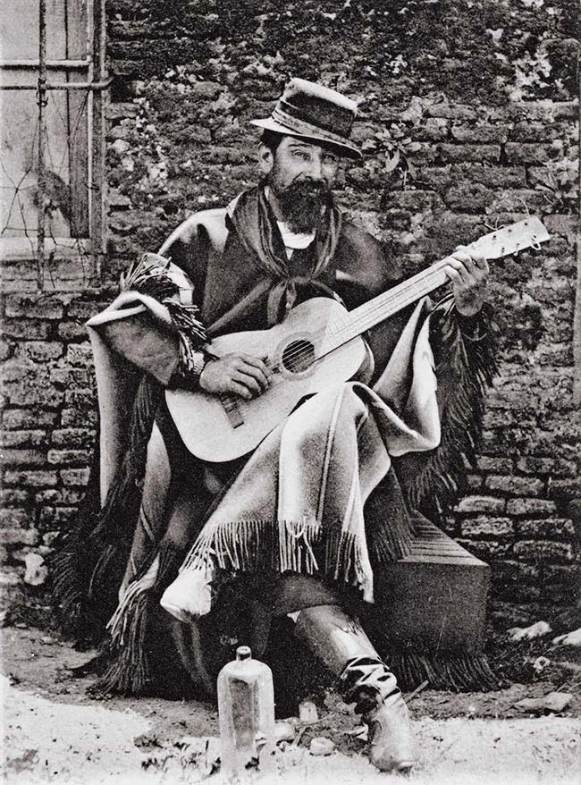 Arturo W Boote, Un payador, ca. 1903. Publicada como postal por Roberto Rosauer. Colección HL Pezzimenti