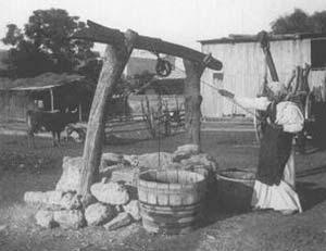 ESCENA DE COSTUMBRES EN LA PROVINCIA DE CORDOBA, CA 1895. SOCIEDAD FOTOGRAFICA ARGENTINA DE AFICIONADOS COL. A.G.N.